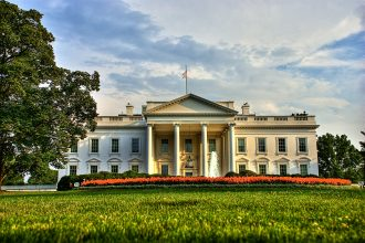 North_Front_of_the_White_House_July_11_2009